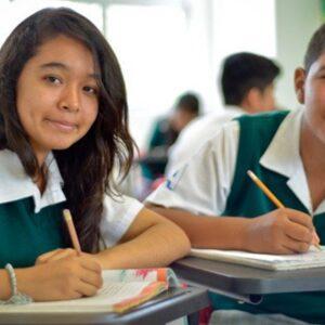 UDEM y Fundación Grupo Autofin Monterrey, refrendan compromiso con la educación de los jóvenes